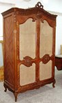 armoire and vitrin