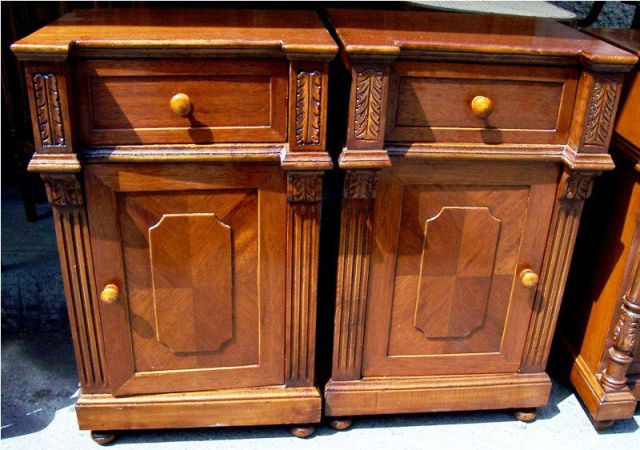 English style commodino / bedside commode, finished in english brown ...