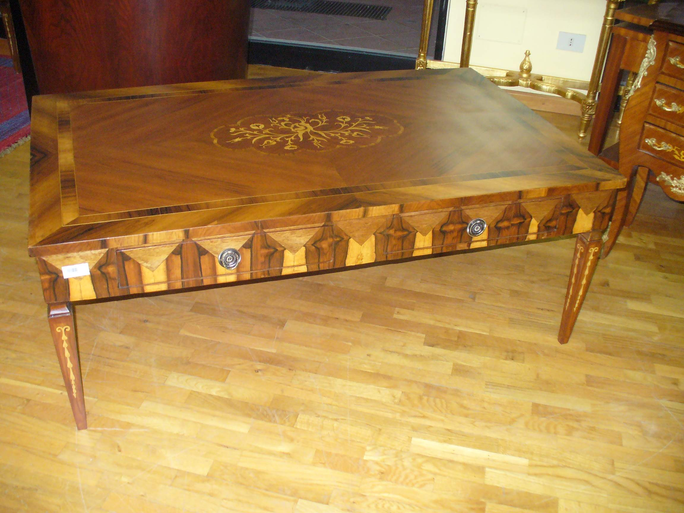 Italian style coffee table with beautiful marquetry patterns veneers Tuscan style coffee table