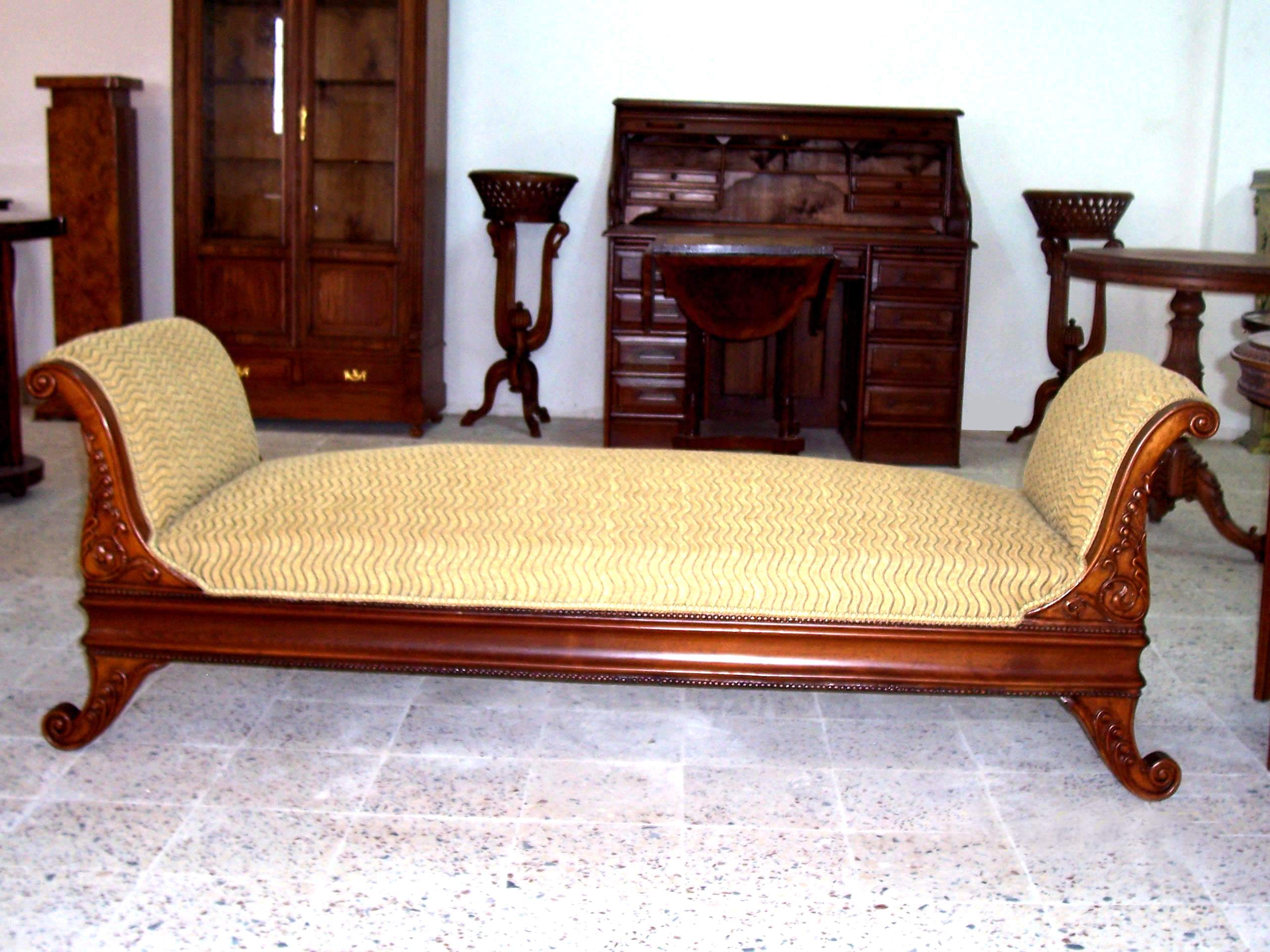 Victorian style chaise lounge for Antique victorian chaise lounge
