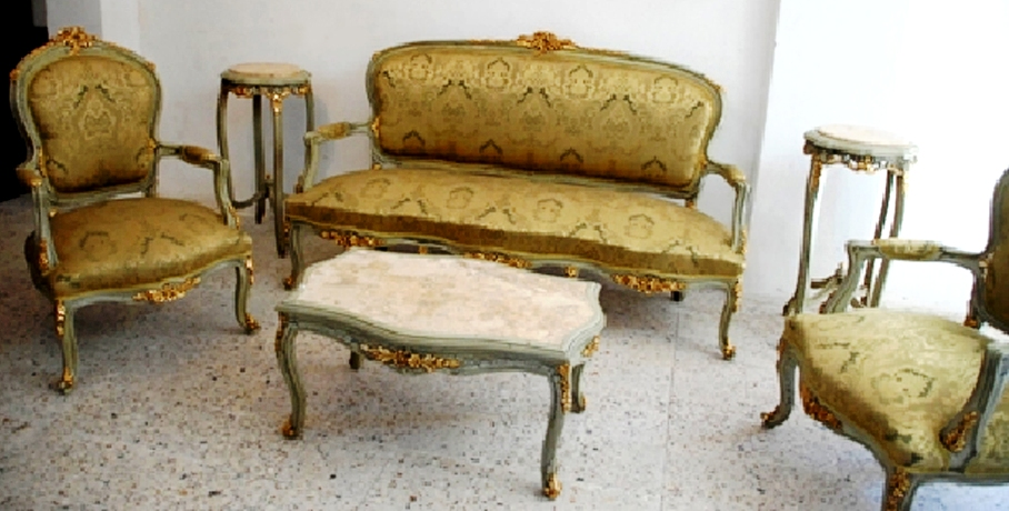 Elegant french louis xv style salon set of six pieces for Salon louis xv